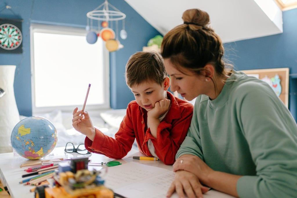 Défendons la liberté fondamentale des parents de pratiquer l'école à la maison !